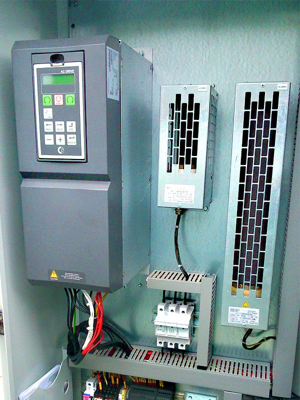 Frekvenčný menič Emotron VFX IP20 pre 18,5 kW motor, brzdné rezistory