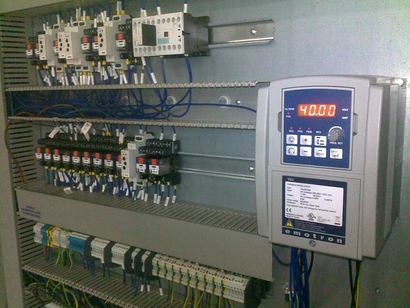 Frekvenčný menič Emotron VSC.